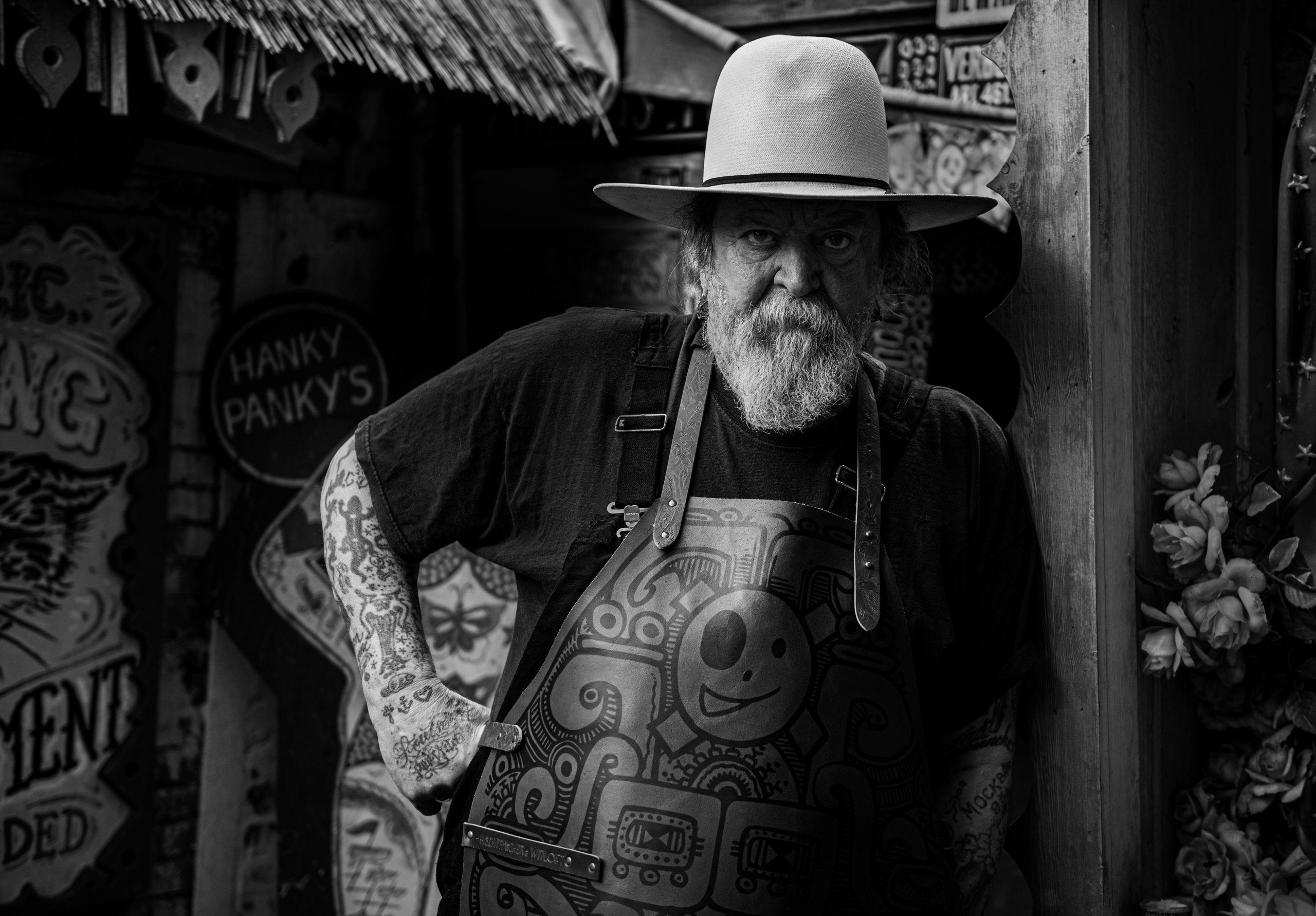 schiffmacher tattooed apron